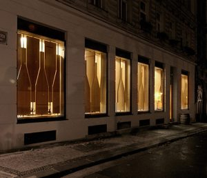 dezeen_red-pif-restaurant-and-wine-shop-by-aulik-fiser-architekti-16